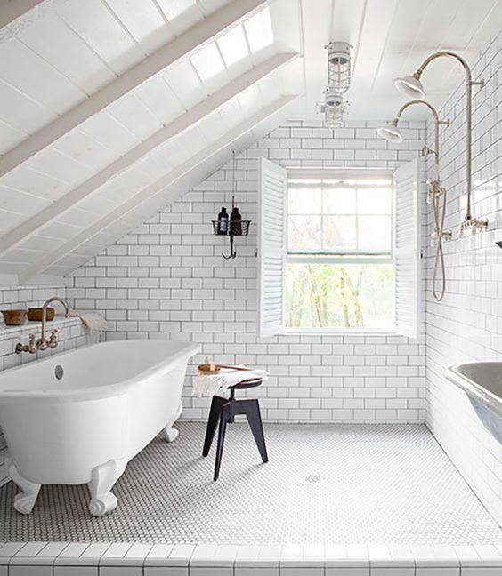 <p>Can you image how calming a bubble bath would be in this attic room? [<i>Photo: Pinterest]</i></p>