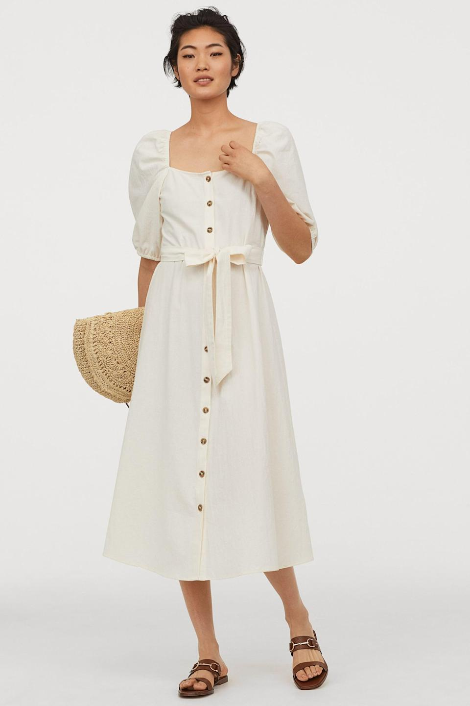 """<p>This <a href=""""https://www.popsugar.com/buy/HampM-Creped-Cotton-Dress-552274?p_name=H%26amp%3BM%20Creped%20Cotton%20Dress&retailer=www2.hm.com&pid=552274&price=35&evar1=fab%3Aus&evar9=44705274&evar98=https%3A%2F%2Fwww.popsugar.com%2Ffashion%2Fphoto-gallery%2F44705274%2Fimage%2F47271379%2FHM-Creped-Cotton-Dress&list1=shopping%2Ctravel%2Cfall%20fashion%2Cdresses%2Cfall%2Cday%20dresses%2Ctravel%20style%2Cspring%20fashion%2Csummer%20fashion&prop13=api&pdata=1"""" class=""""link rapid-noclick-resp"""" rel=""""nofollow noopener"""" target=""""_blank"""" data-ylk=""""slk:H&amp;M Creped Cotton Dress"""">H&amp;M Creped Cotton Dress </a> ($35) doesn't wrinkle, so it's awesome for a suitcase.</p>"""