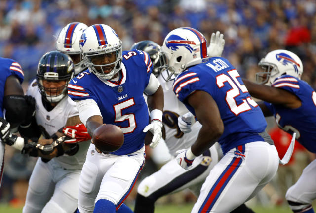 "<a class=""link rapid-noclick-resp"" href=""/nfl/players/24967/"" data-ylk=""slk:Tyrod Taylor"">Tyrod Taylor</a> left Saturday night's game with a concussion. (AP)"