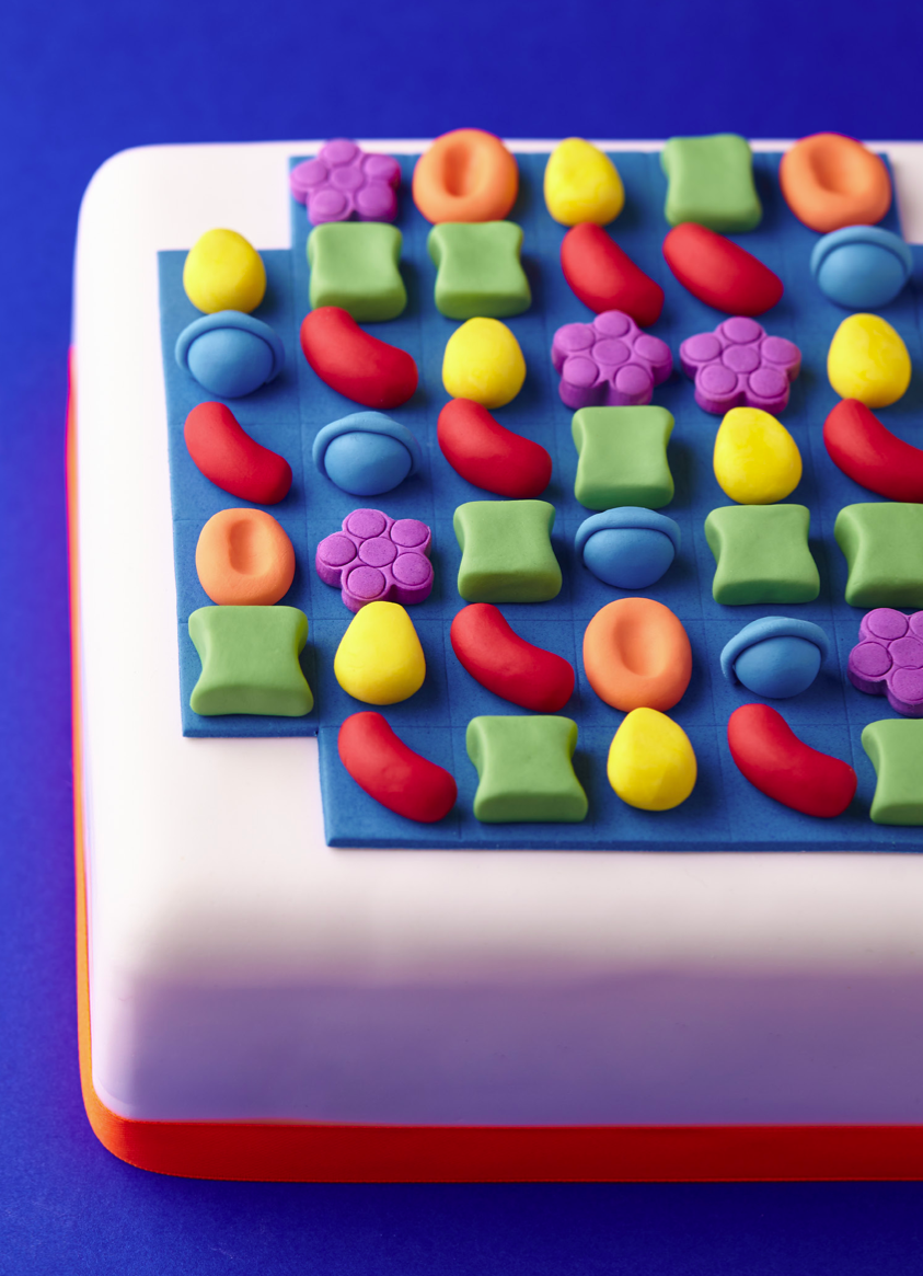 The Gameboard Cake is featured in the Candy Crush Cakes & Bakes Recipe Book. (Photo: Candy Crush)