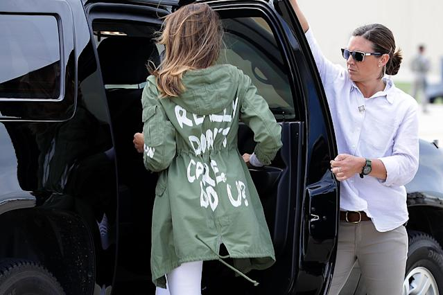 "Melania Trump departs Andrews Air Force Base in Maryland on June 21, 2018, wearing a jacket with the words ""I really don't care, do u?"" following her surprise visit with child immigrants on the US-Mexico border. (Photo: Getty Images)"