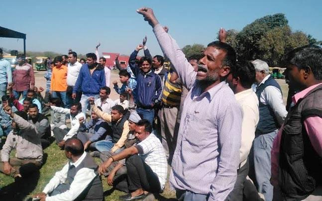 Chandigarh: Commuters hit as auto-rickshaw drivers launch indefinite strike against Uber, Ola