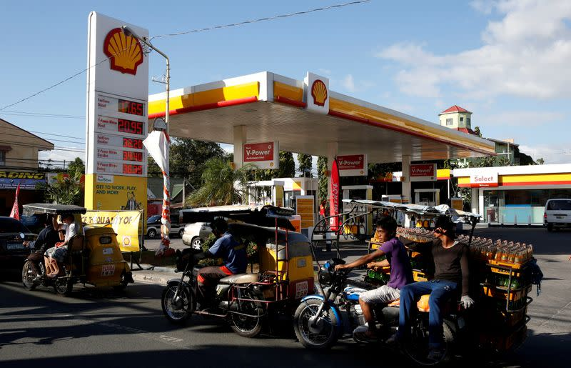 Shell unit shuts Philippine refinery as pandemic slashes margins