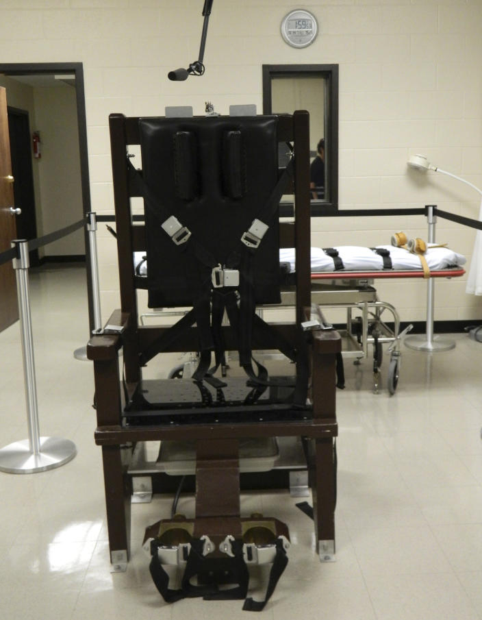 "An electric chair, nicknamed ""Old Sparky"", is seen at the Riverbend Maximum Security Institution in this undated handout photo provided by Tennessee's Department of Correction in Nashville. Tennessee's electric chair, last used in 2007, is now an option for executions in the state if lethal injection drugs are unavailable, following a bill that was signed by the governor on May 22, 2014. REUTERS/Tennessee Department of Correction/Handout via Reuters (UNITED STATES - Tags: CRIME LAW) ATTENTION EDITORS - THIS PICTURE WAS PROVIDED BY A THIRD PARTY. REUTERS IS UNABLE TO INDEPENDENTLY VERIFY THE AUTHENTICITY, CONTENT, LOCATION OR DATE OF THIS IMAGE. THIS PICTURE IS DISTRIBUTED EXACTLY AS RECEIVED BY REUTERS, AS A SERVICE TO CLIENTS. FOR EDITORIAL USE ONLY. NOT FOR SALE FOR MARKETING OR ADVERTISING CAMPAIGNS"