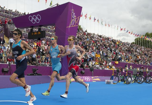 Canada's Kyle Jones competes in the men's triathlon at the 2012 London Olympics, August 7, 2012. Jones placed 25th. THE CANADIAN PRESS/HO, COC - Jason Ransom