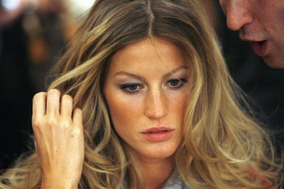 Gisele Bundchen remains the world's highest-earning model this year according to the latest ranking from Forbes. The Brazilian supermodel earned an impressive $45 million in the last year.