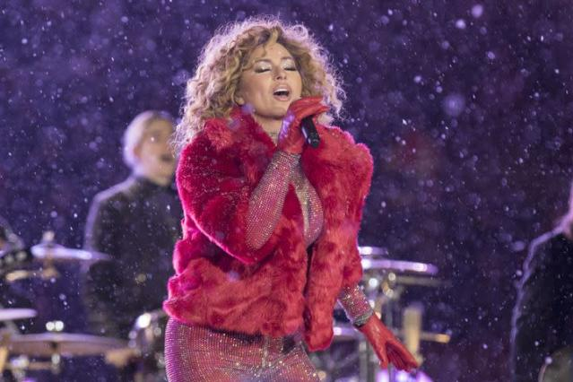 "<p>Shania Twain knows how to make an entrance, even during the most inclement performance conditions. </p> <div><p>SEE ALSO: <a href=""http://mashable.com/2017/07/28/haim-shania-twain-cover/"" rel=""nofollow noopener"" target=""_blank"" data-ylk=""slk:HAIM's cover of Shania Twain's 'That Don't Impress Me Much' is seriously unreal"" class=""link rapid-noclick-resp"">HAIM's cover of Shania Twain's 'That Don't Impress Me Much' is seriously unreal</a></p></div> <p>She rolled up to her halftime performance at the Canadian Football League's championship game— the Grey Cup—during a blizzard. Shania rocked up to the snow-covered stadium in Ottawa in a mode of transport befitting the weather conditions—a dogsled. And, you know what? That does impress me much. </p> <p>But, Shania didn't cower under an umbrella or an anorak. She was resplendent in a pink glitter catsuit and red fur jacket.</p> <div><div><blockquote> <p>.<a href=""https://twitter.com/ShaniaTwain?ref_src=twsrc%5Etfw"" rel=""nofollow noopener"" target=""_blank"" data-ylk=""slk:@ShaniaTwain"" class=""link rapid-noclick-resp"">@ShaniaTwain</a> just entered the <a href=""https://twitter.com/hashtag/GreyCup?src=hash&ref_src=twsrc%5Etfw"" rel=""nofollow noopener"" target=""_blank"" data-ylk=""slk:#GreyCup"" class=""link rapid-noclick-resp"">#GreyCup</a> halftime show on a dogsled. Tune in to <a href=""https://twitter.com/CFLonTSN?ref_src=twsrc%5Etfw"" rel=""nofollow noopener"" target=""_blank"" data-ylk=""slk:@CFLonTSN"" class=""link rapid-noclick-resp"">@CFLonTSN</a> now to catch the show! <a href=""https://t.co/JOcgFzox3X"" rel=""nofollow noopener"" target=""_blank"" data-ylk=""slk:pic.twitter.com/JOcgFzox3X"" class=""link rapid-noclick-resp"">pic.twitter.com/JOcgFzox3X</a></p> <p>— TSN (@TSN_Sports) <a href=""https://twitter.com/TSN_Sports/status/934953342022967297?ref_src=twsrc%5Etfw"" rel=""nofollow noopener"" target=""_blank"" data-ylk=""slk:November 27, 2017"" class=""link rapid-noclick-resp"">November 27, 2017</a></p> </blockquote></div></div> <p>Oh. My. God. </p> <p>Oh, and just when things couldn't get more Canadian, Shania finished by singing the line ""I feel like a Canadian, oh yah."" </p>  <p>The CFL hailed Shania's halftime show the most Canadian ever. So, I guess that's something. </p> <div><div><blockquote> <p>Most 🇨🇦 <a href=""https://twitter.com/hashtag/GreyCup?src=hash&ref_src=twsrc%5Etfw"" rel=""nofollow noopener"" target=""_blank"" data-ylk=""slk:#GreyCup"" class=""link rapid-noclick-resp"">#GreyCup</a> Halftime Show Ever?<br><br>Most 🇨🇦 <a href=""https://twitter.com/hashtag/GreyCup?src=hash&ref_src=twsrc%5Etfw"" rel=""nofollow noopener"" target=""_blank"" data-ylk=""slk:#GreyCup"" class=""link rapid-noclick-resp"">#GreyCup</a> Halftime Show EVER!<a href=""https://twitter.com/ShaniaTwain?ref_src=twsrc%5Etfw"" rel=""nofollow noopener"" target=""_blank"" data-ylk=""slk:@ShaniaTwain"" class=""link rapid-noclick-resp"">@ShaniaTwain</a> crushed it! ➡️ <a href=""https://t.co/pN2Ks62iMu"" rel=""nofollow noopener"" target=""_blank"" data-ylk=""slk:https://t.co/pN2Ks62iMu"" class=""link rapid-noclick-resp"">https://t.co/pN2Ks62iMu</a> <a href=""https://t.co/9NB5A5e3uy"" rel=""nofollow noopener"" target=""_blank"" data-ylk=""slk:pic.twitter.com/9NB5A5e3uy"" class=""link rapid-noclick-resp"">pic.twitter.com/9NB5A5e3uy</a></p> <p>— CFL (@CFL) <a href=""https://twitter.com/CFL/status/934965766851563521?ref_src=twsrc%5Etfw"" rel=""nofollow noopener"" target=""_blank"" data-ylk=""slk:November 27, 2017"" class=""link rapid-noclick-resp"">November 27, 2017</a></p> </blockquote></div></div> <p>Yes, Shania, we get it, you're Canadian. </p> <div> <h2><a href=""http://mashable.com/2017/11/21/public-binging-netflix-survey/"" rel=""nofollow noopener"" target=""_blank"" data-ylk=""slk:WATCH: Public binging on Netflix is more popular than you think"" class=""link rapid-noclick-resp"">WATCH: Public binging on Netflix is more popular than you think</a></h2> <div>  </div> </div>"