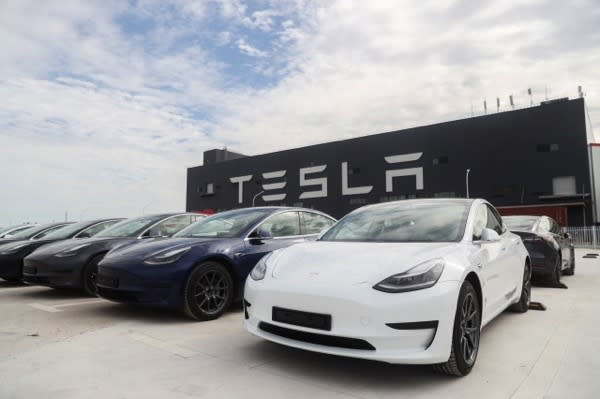SHANGHAI, Oct. 26, 2020 -- Photo taken on Oct. 26, 2020 shows the Tesla China-made Model 3 vehicles at its gigafactory in Shanghai, east China. (Photo by Ding Ting/Xinhua via Getty) (Xinhua/Ding Ting via Getty Images)