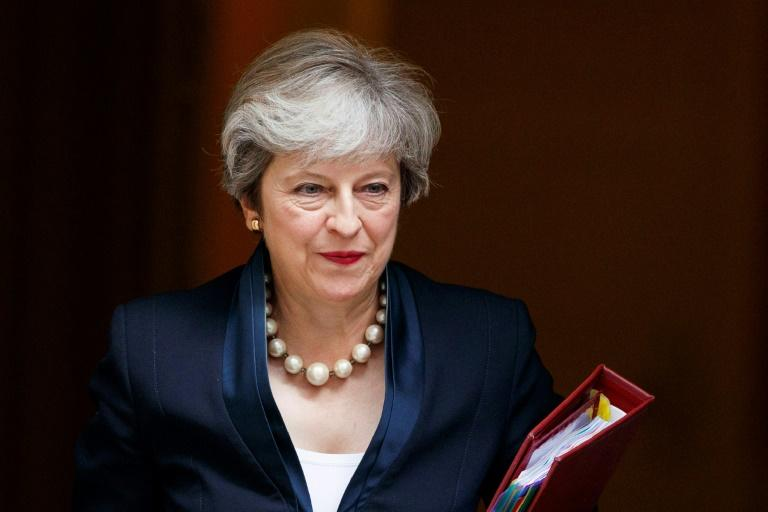 May promete facilitar permanência de cidadãos europeus no Reino Unido