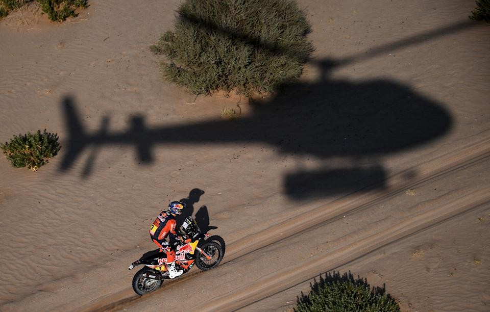 Australian biker Toby Price powers his KTM during Stage 4 of the Dakar Rally 2021 between Wadi Ad-Dawasir and Saudi Arabia's capital Riyadh, on January 6, 2021.