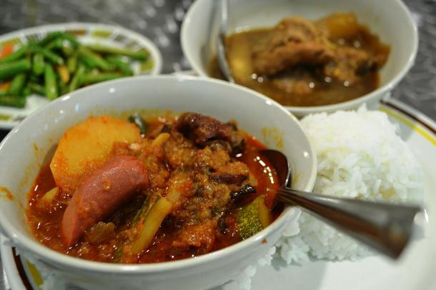 Eurasian chow singapore must not leave behind mary gomes devils curry or dehal curry is just nicely spiked with enough chilli and forumfinder Image collections