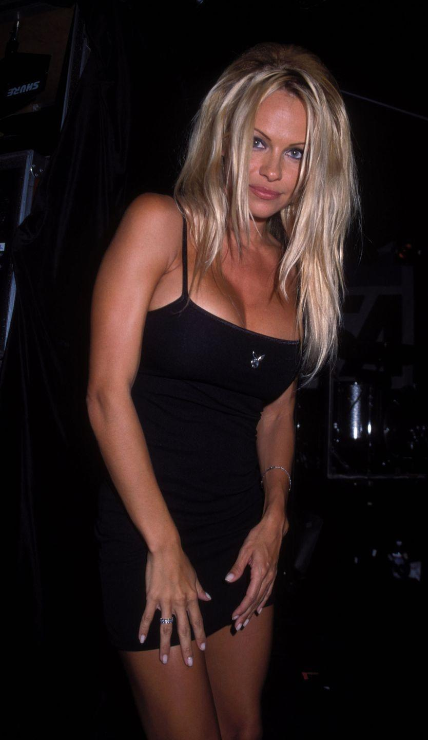 <p>Pamela Anderson at the The Viper Room in West Hollywood, California on September 13, 2000.</p>