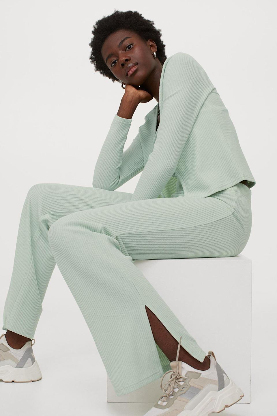 <p>Go for a cool mint shade with these <span>H&amp;M Ribbed Flared Pants</span> ($18).</p>