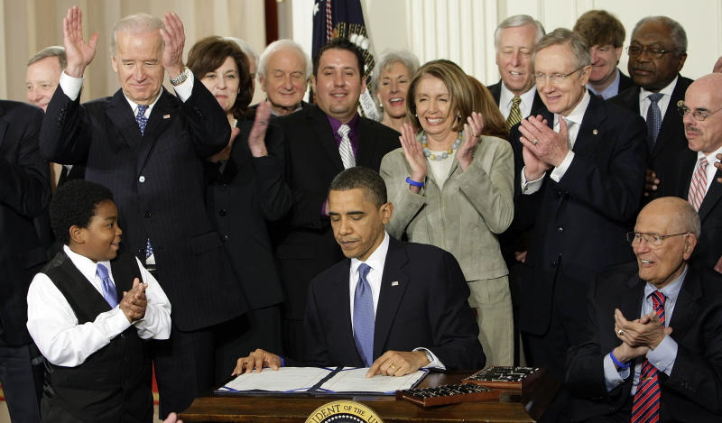 AP-GfK Poll: Most see health law being implemented