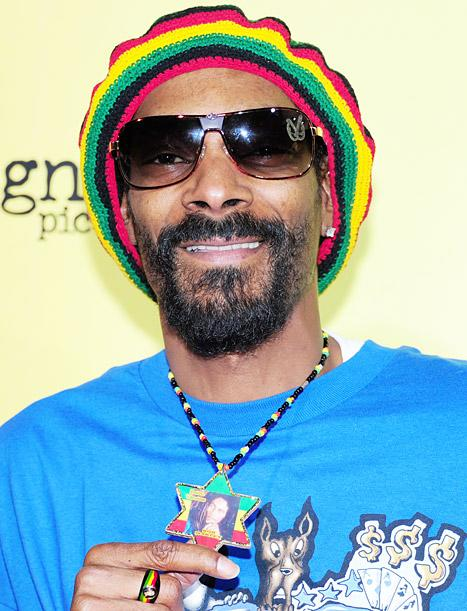 """Snoop Dogg Changes Name to Snoop Lion, Believes He's """"Bob Marley Reincarnated"""""""