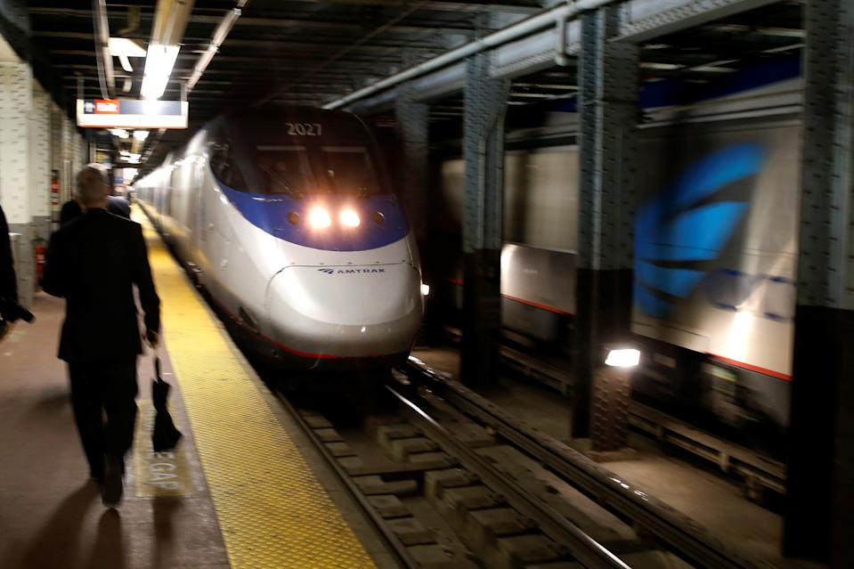 An Amtrak Acela train arrives at New York's Penn Station, the nation's busiest train hub, near a section of a complex of tracks that Amtrak says they will begin repairing over the summer in New York City, U.S., May 25, 2017. (Photo: REUTERS/Mike Segar)