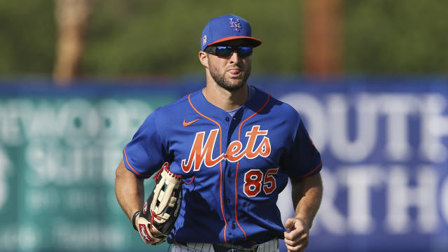 "Tim Tebow didn't last long with <a class=""link rapid-noclick-resp"" href=""/mlb/teams/ny-mets/"" data-ylk=""slk:the Mets"">the Mets</a> this spring. (AP Photo/Vera Nieuwenhuis)"