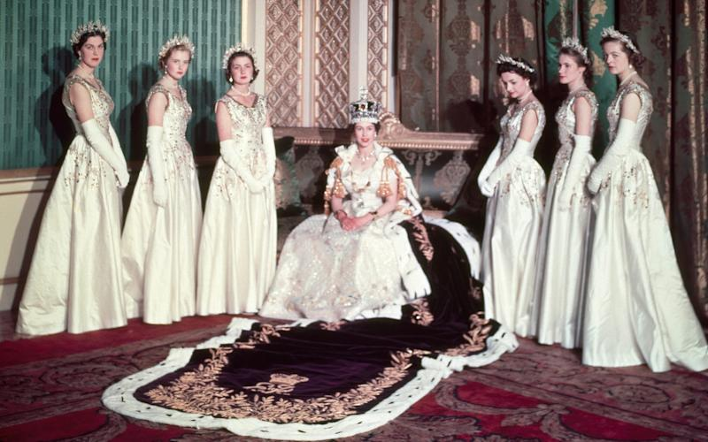 The Queen on the day of her coronation with her six maids of honour: Lady Moyra Hamilton, Lady Anne Coke, Lady Jane Vane-Tempest-Stewart, Lady Mary Baillie-Hamilton, Lady Jane Heathcote-Drummond-Willoughby and Lady Rosemary Spencer-Churchill - Cecil Beaton