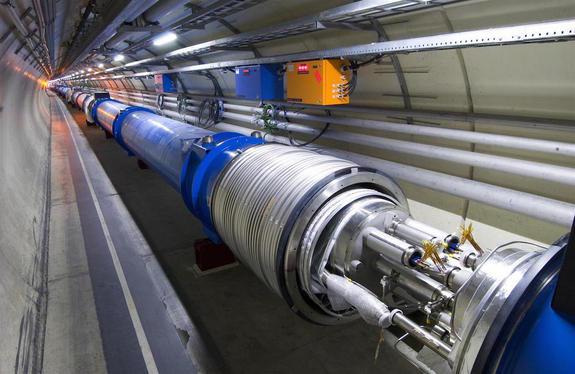 Giant Atom Smasher Revs up: Physicists Reveal What They're Looking For