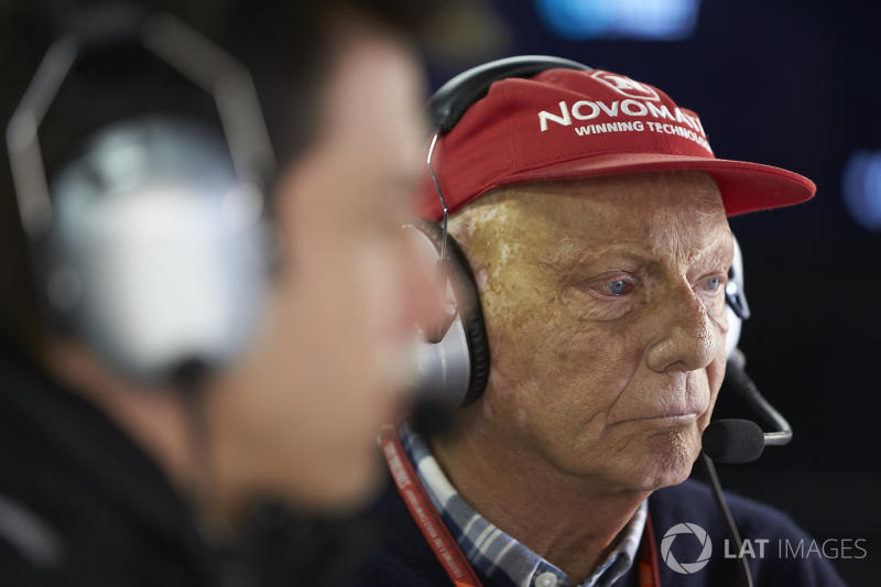 Niki Lauda: Physiotherapie beginnt nach Komplikationen