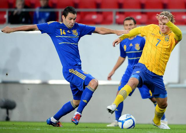 Ukraine's Ievgenii Shakhov (L) vies with Sweden's Oscar Hiljemark during the U21 European Football Championships qualification match Sweden vs Ukraine in Kalmar on September 10, 2012. AFP PHOTO/ SCANPIX/ PATRIC SODERSTROM ***SWEDEN OUT***Patric Soderstrom/AFP/GettyImages