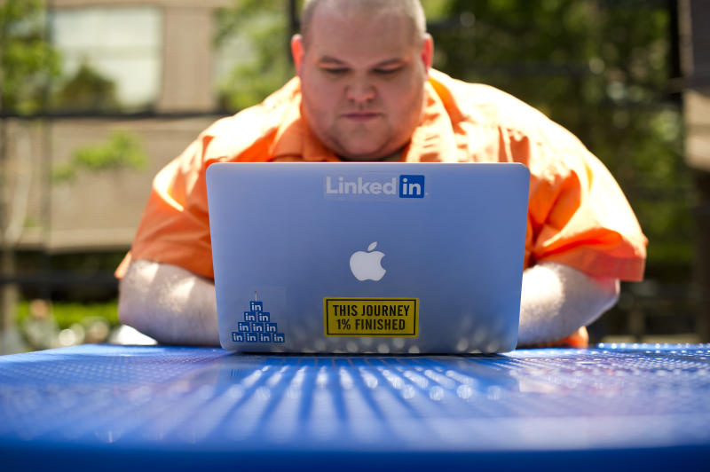 LinkedIn's 2Q impresses Street, stock climbs