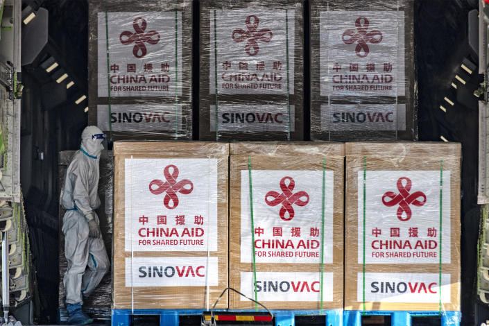 Image: China's donation of the Sinovac vaccine to the Philippines in February (Ezra Acayan / Getty Images file)