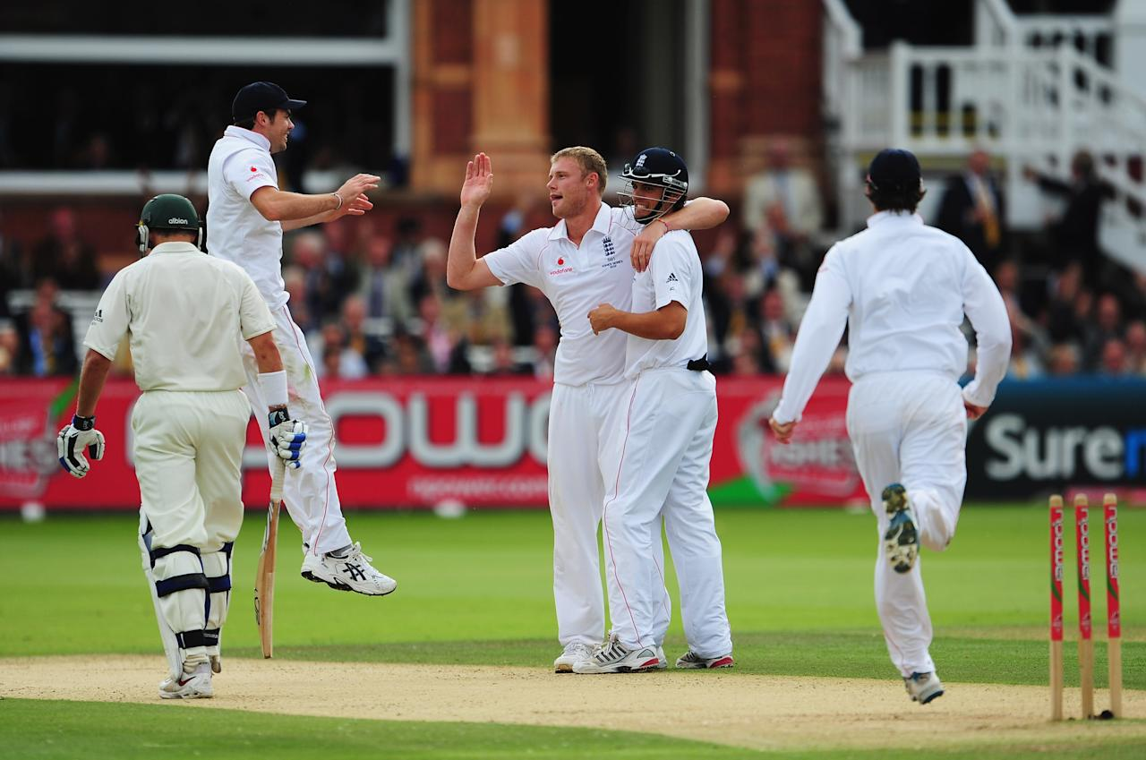 LONDON - JULY 17: Andrew Flintoff of England celebrates the wicket of Michael Hussey of Australia with team mates during day two of the npower 2nd Ashes Test Match between England and Australia at Lord's on July 17, 2009 in London, England.  (Photo by Mike Hewitt/Getty Images)