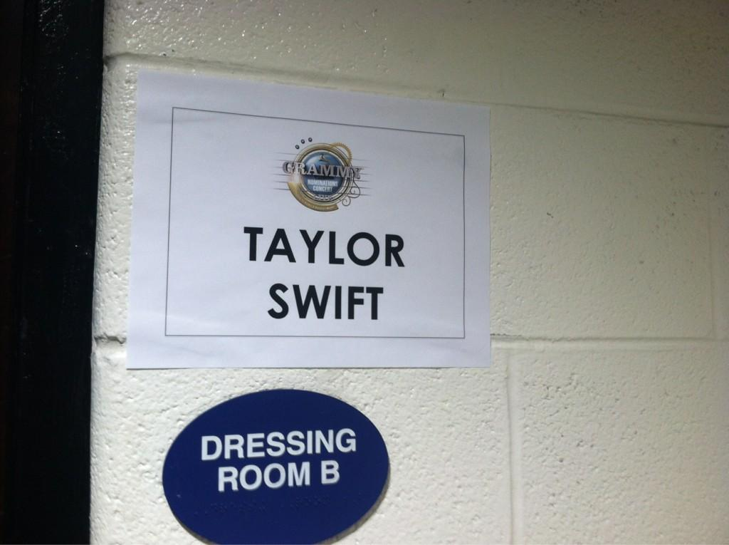 Look who's dressing room is next to mine! @taylorswift13 #GrammyNoms - @LukeBryanOnline, via Twitter