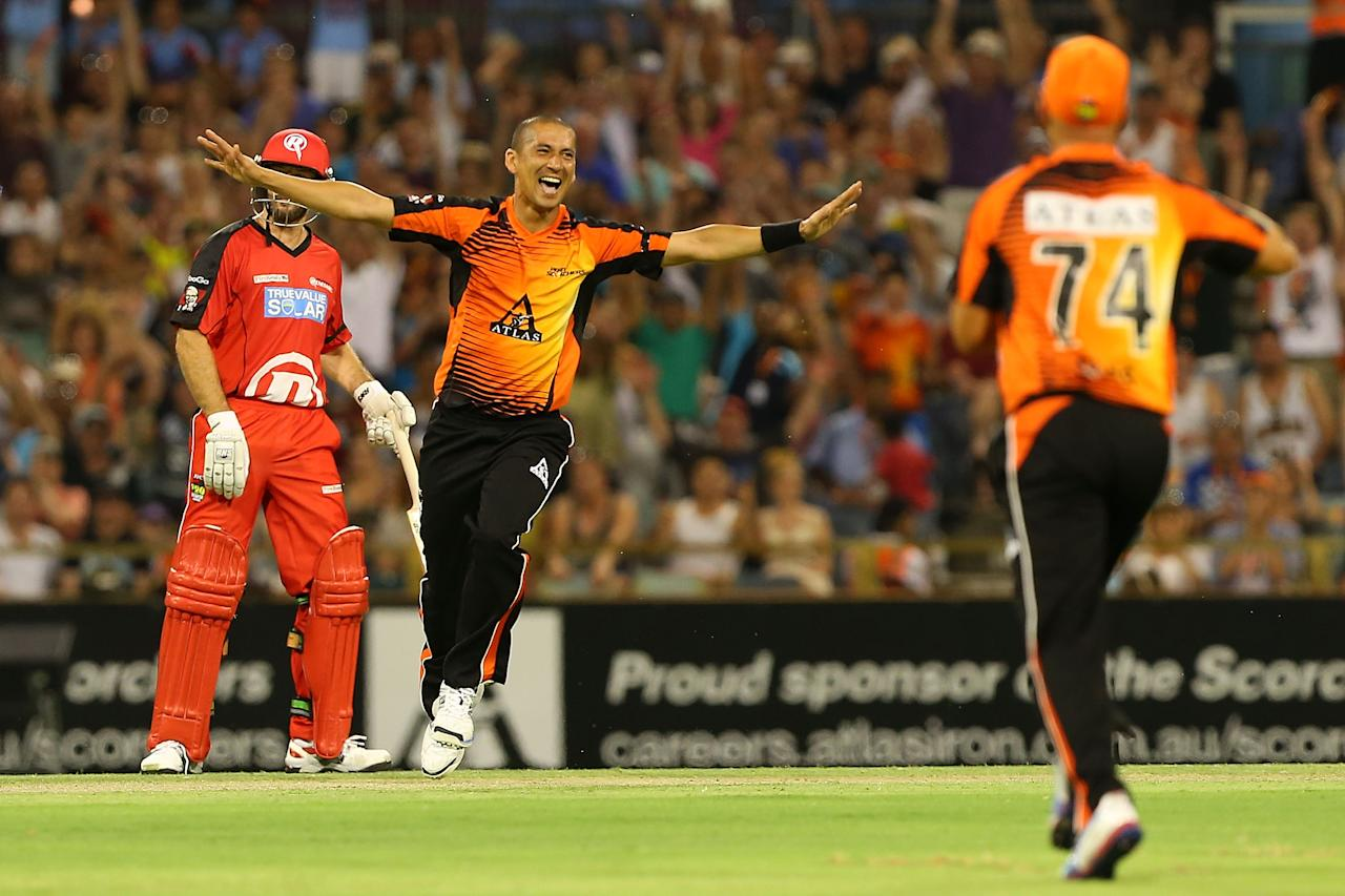 PERTH, AUSTRALIA - DECEMBER 29:  Alfonso Thomas of the Scorchers celebrates dismissing Daniel Harris of the Renegades during the Big Bash League match between the Perth Scorchers and the Melbourne Renegads at WACA on December 29, 2012 in Perth, Australia.  (Photo by Paul Kane/Getty Images)