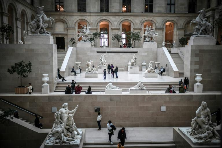 The museum attracted 9.6 million visitors last year (AFP Photo/STEPHANE DE SAKUTIN)