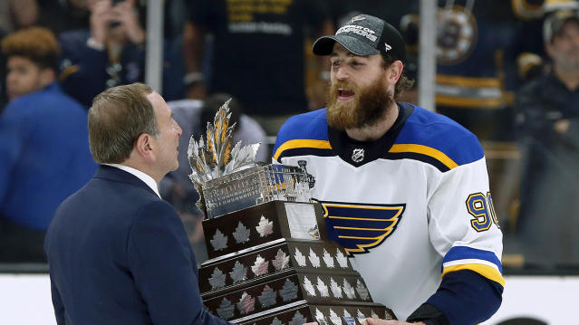 Ryan O'Reilly and the St. Louis Blues will square off against the Boston Bruins on October 26 in a nationally televised game on NHL on NBC. (AP Photo/Michael Dwyer)