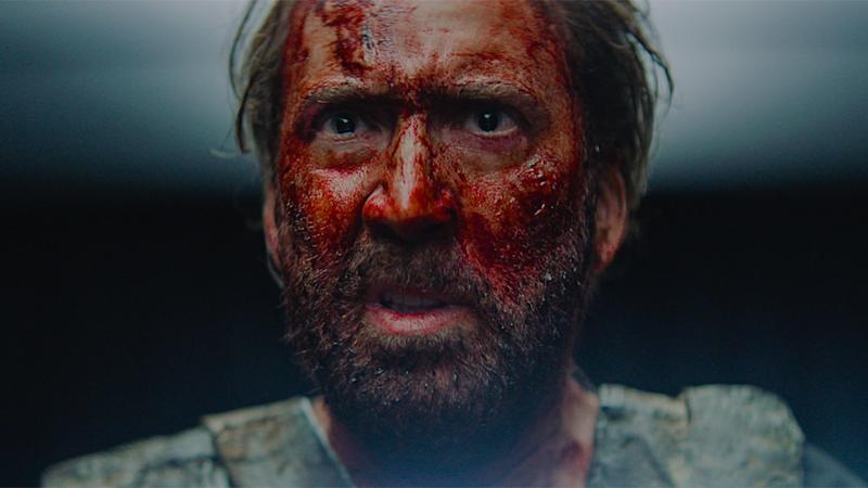 Nicolas Cage surge insano no trailer do terror 'Mandy'