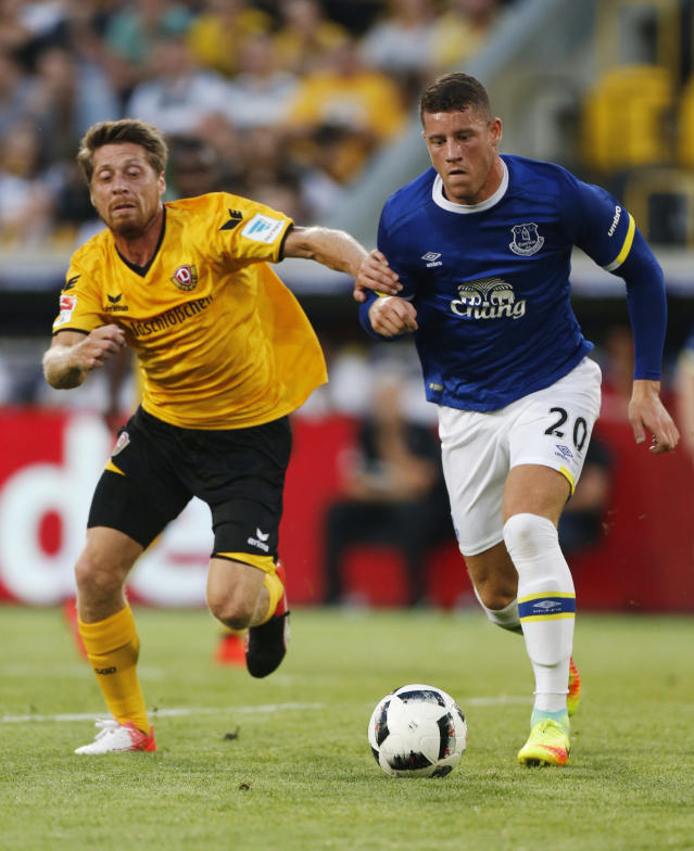Football Soccer - Dynamo Dresden v Everton - Pre Season Friendly - Dresden Cup - DDV-Stadium, Dresden, Germany - 29/7/16 Everton's Ross Barkley in action Action Images via Reuters / Hannibal Hanschke Livepic