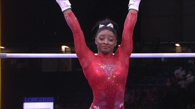 Simone Biles' uneven bars routine in apparatus final at worlds