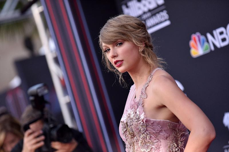 Taylor Swift gets political, endorses Democrats in United States  midterms