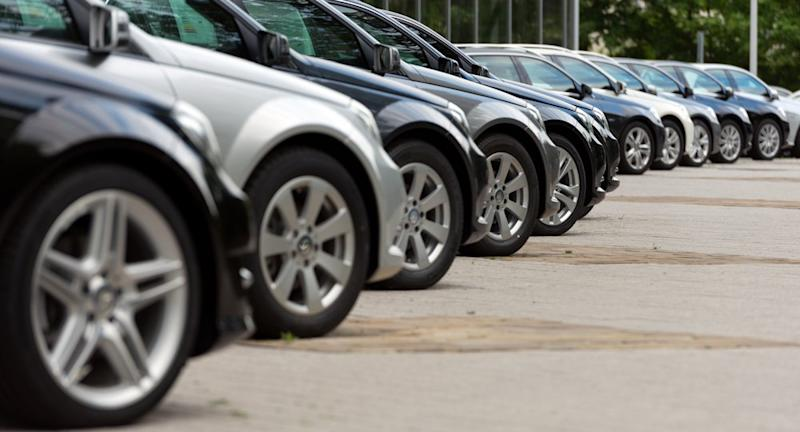 Is It Better to Buy Your Car Online or in Person?