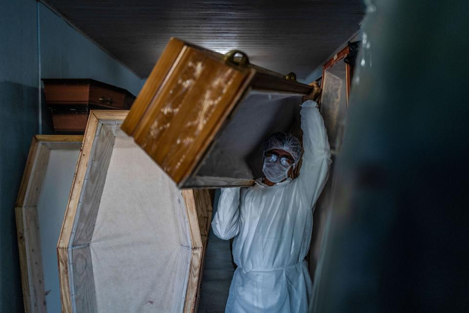 Photojournalist, Veronique de Viguerie, photographed funeral workers during the pandemic in Manaus, Brazil. (Veronique De Viguerie / Getty Images)