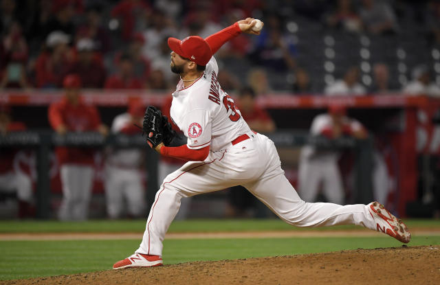 Los Angeles Angels relief pitcher Justin Anderson throws during the ninth inning of against the Toronto Blue Jays in a baseball game Thursday, June 21, 2018, in Anaheim, Calif. (AP Photo/Mark J. Terrill)