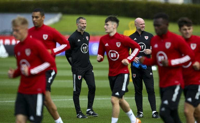 Giggs' childhood experiences add weight to taking the knee