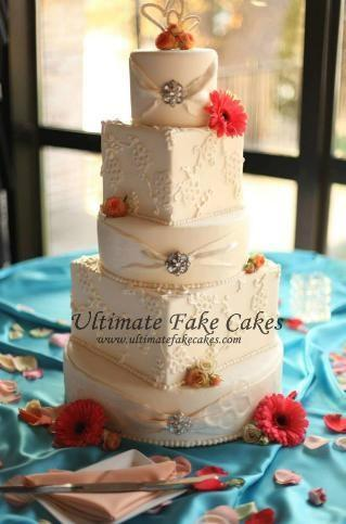 Fake That Cake Hot Wedding Trend Will Save You 1000 Or More - Wedding Cake Dummy