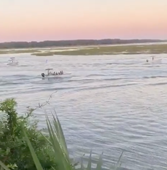 A photo of speed boats reportedly carrying Justin Bieber, his wife Hailey Baldwin and their guests ahead of their second wedding in South Carolina.