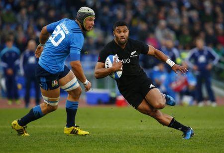 Britain Rugby Union - Italy vs New Zealand - Stadio Olimpico, Rome, Italy - 12/11/16 New Zeland's Lima Sopoaga in action with Italy's Francesco Minto Reuters / Tony Gentile