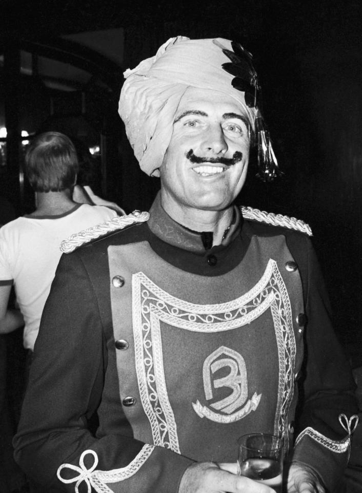 DELHI, INDIA - DECEMBER 1981: Geoff Boycott attends the England fancy dress party during the England tour to India in December 1981 in Delhi, India. (Photo by Adrian Murrell/Getty Images)