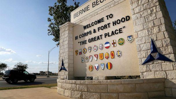 PHOTO: Traffic flows through the main gate past a welcome sign, Tuesday, July 9, 2013, in Fort Hood, Texas. (Tony Gutierrez/AP, FILE)