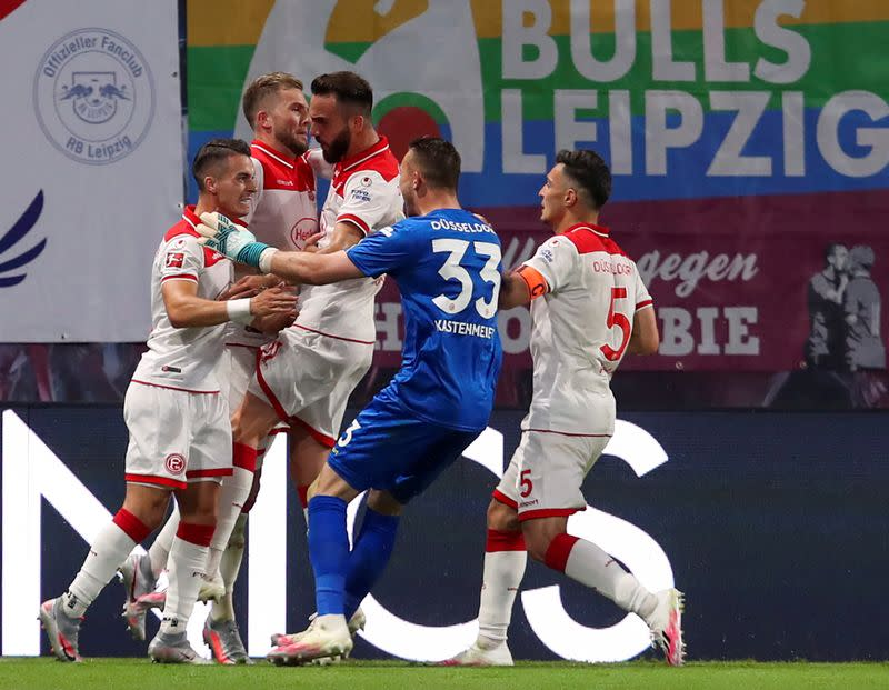 Leipzig throw away two-goal lead in Duesseldorf draw