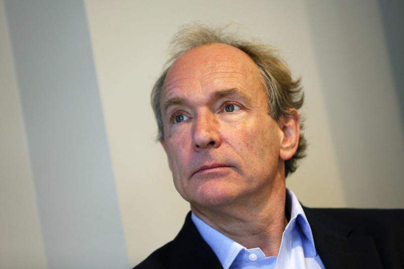 World Wide Web founder Tim Berners-Lee attends a news conference in London December 11, 2014. The inventor of the Worldwide Web said on Thursday access to the internet should be regarded as a basic human right and criticised growing censorship by governments and commercial manipulation. The World Wide Web Foundation created by Tim Berners-Lee said some 38 percent of states denied free internet use to citizens. REUTERS/Stefan Wermuth (BRITAIN - Tags: BUSINESS SCIENCE TECHNOLOGY TELECOMS SOCIETY)