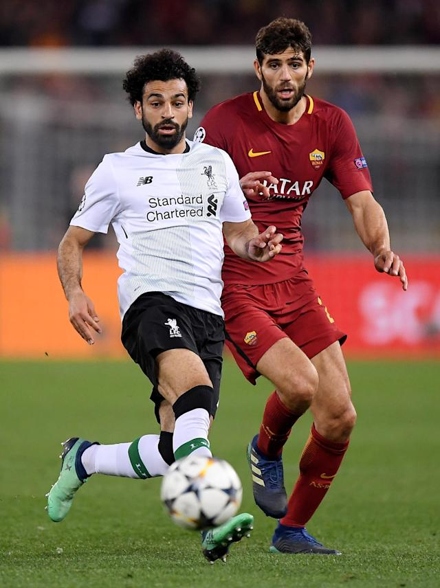 Soccer Football - Champions League Semi Final Second Leg - AS Roma v Liverpool - Stadio Olimpico, Rome, Italy - May 2, 2018 Liverpool's Mohamed Salah in action with Roma's Federico Fazio REUTERS/Alberto Lingria