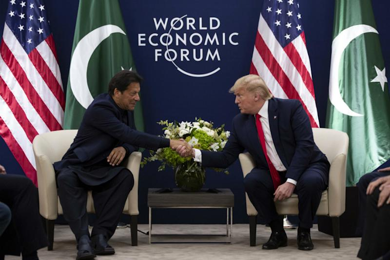 'Will Help If We Can': Trump Again Offers to Mediate on Kashmir after Meeting Imran Khan at Davos