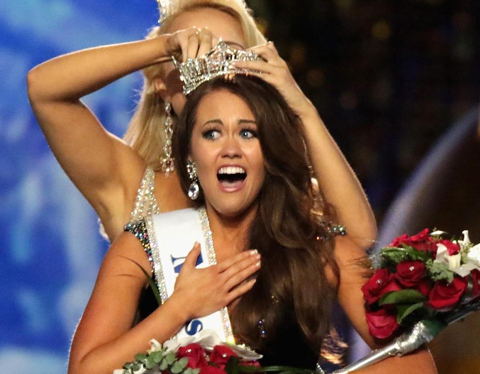 Cara Mund was crowned Miss America 2018 on Sept. 10, 2017, in Atlantic City, N.J. (Photo: Donald Kravitz/Getty Images for Dick Clark Productions)